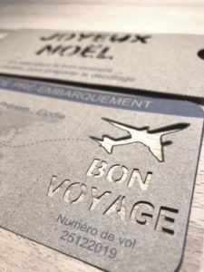 Cadeau faire-part invitation - billet d'avion